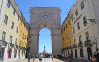2-Lisbon_Arch_Downtown_Rossio