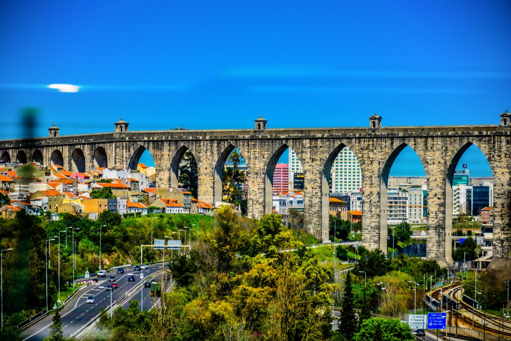 Lisbon_Aqueduct_Aguas_Livres