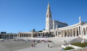 Fatima Sanctuary, Nazare & Obidos Medieval Village Private Tour