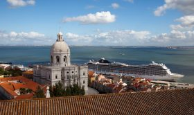 Lisbon Highlights and Obidos Medieval Village Private Tour