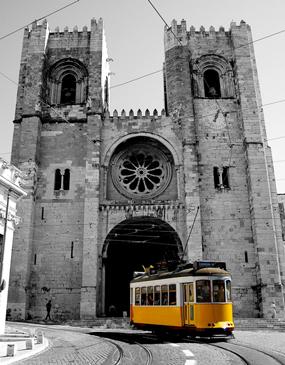 Lisbon Walking Tour Historical Downtown, including Alfama (3h)