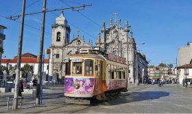 Private Tour of Porto with Transfers from Lisbon (2 days)