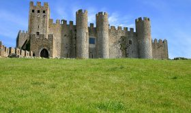 Obidos + Nazare + Batalha + Alcobaça Private Tour (Full-Day)